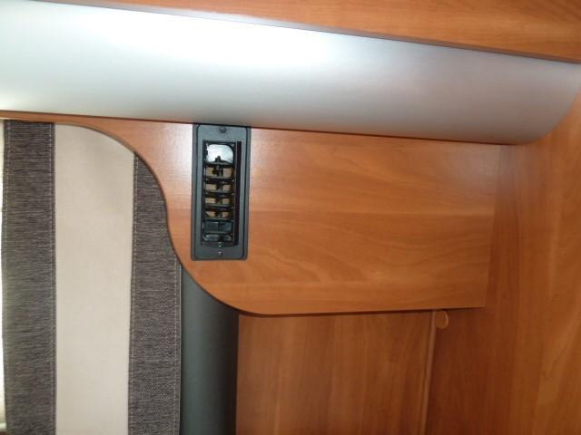 klimaanlage nachr stung f r ihr laika wohnmobil. Black Bedroom Furniture Sets. Home Design Ideas